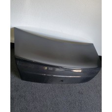 CARBON FIBER TRUNK WITH PVO MOLDED